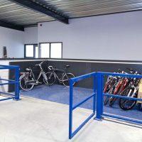Schaarheftafel bij 12Go Biking voor het overbruggen van een verdieping
