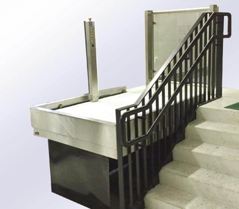 hydro plateau rolstoellift verticaal