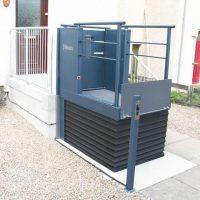 LF-800 rolstoellift buiten