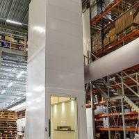 personen_goederen_lift in magazijn