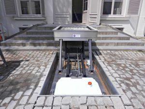 Rolstoellift trap